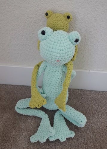 Makerist - Amigurumi – toy - Lilly the Frog -  crochet tutorial/pattern - Crochet Showcase - 3