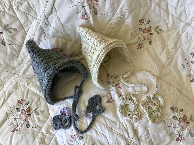 Makerist - Handmaids Tale Pixie Hat - Crochet Showcase - 2