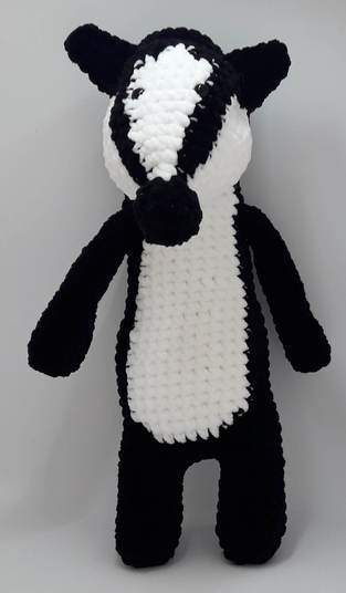 Makerist - Amigurumi – Nina the badger - crochet – tutorial - 1
