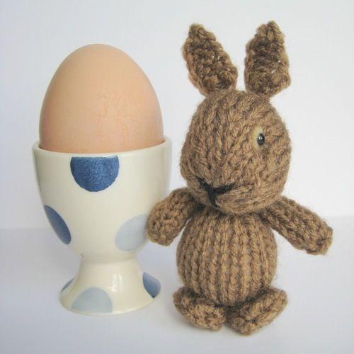 Makerist - Egg Cup Bunny - Knitting Showcase - 1