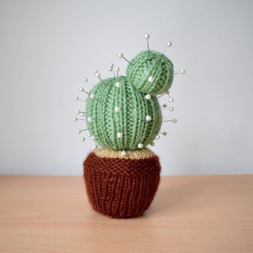 Makerist - Cactus Pincushion - Knitting Showcase - 1