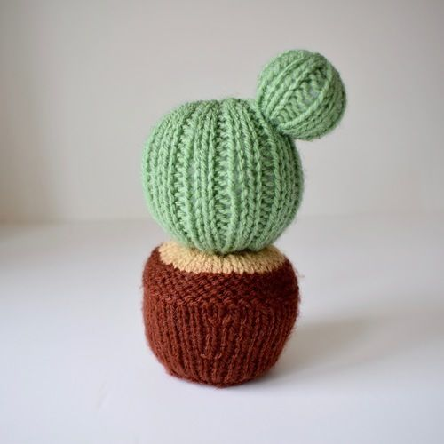 Makerist - Cactus Pincushion - Knitting Showcase - 2