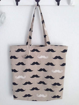 Makerist - Mustache Tasche - 1