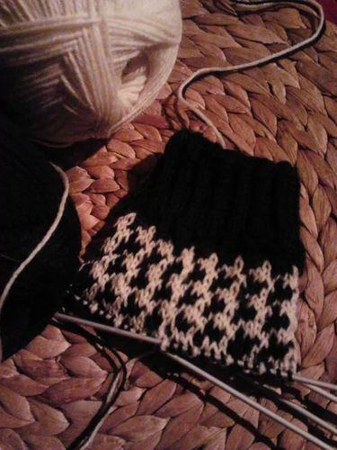 Makerist - Socken im Hahnentrittmuster - Strickprojekte - 1