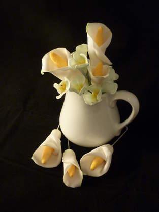 Makerist - Callas mit weißen Hortensien - 1