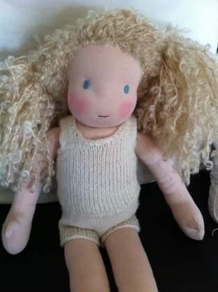 Makerist - Puppe mit Herz und Schafwolle - 1