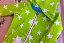 Makerist - Zipfel-Kapuzen-Zwergen-Jacke für den Neffen aus tollem Strernenjersey von Karina - 1