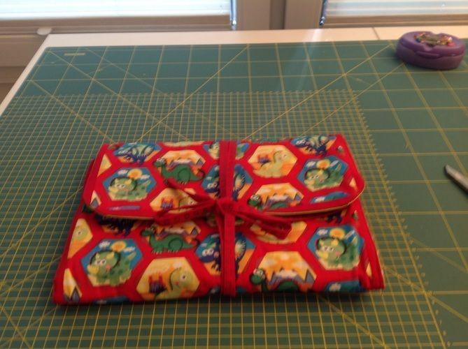 Makerist - Wickelunterlage als Tasche mit Fächern für Feuchttücher, Windeln und Cremes - Nähprojekte - 1
