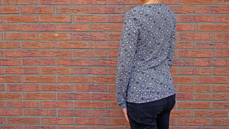 Makerist - Jerseyshirt mit Kunstledereinsatz - Nähprojekte - 2