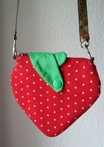 Makerist - Erdbeer-Kinderportmonee - Nähprojekte - 1