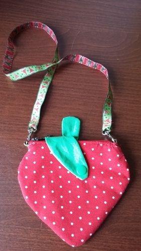 Makerist - Erdbeer-Kinderportmonee - Nähprojekte - 3