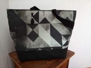 Makerist - Tasche mit grafischen Dreiecken - 1