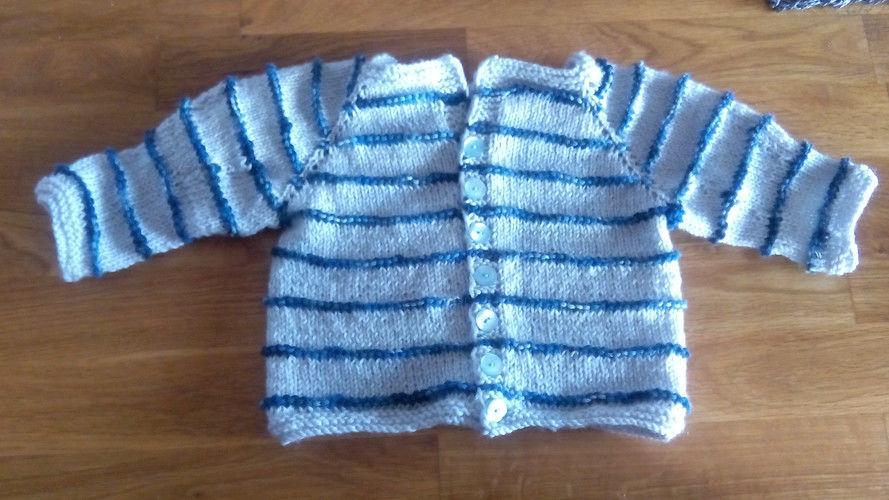 Makerist - Baby-Jäckchen Raglan - Strickprojekte - 1