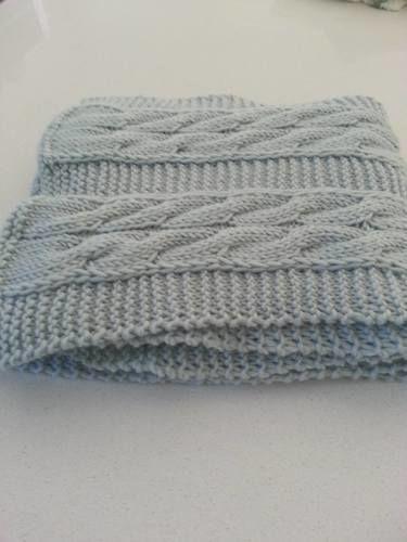 9c745ea61f08 ... Makerist - Echarpe bleue torsadée en laine mérinos tricotée à la main -  Créations de tricot