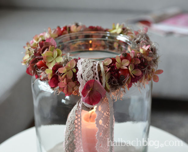 Makerist - Herbstdeko: Beeren-Blüten-Kranz mit Spitze - DIY-Projekte - 2
