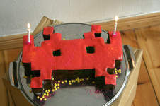 Makerist - Space Invader Torte - 1