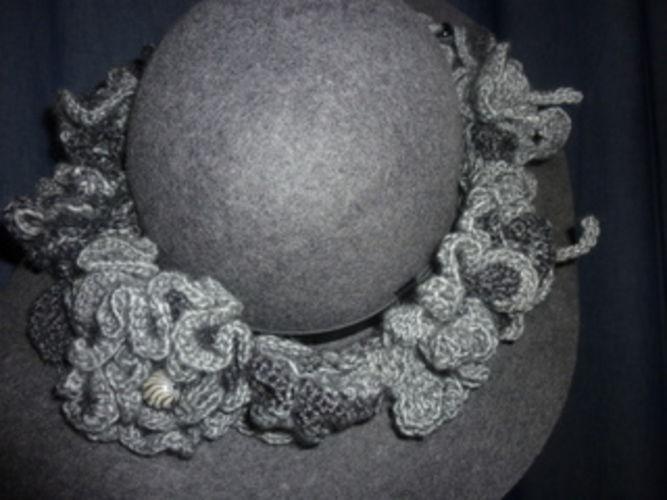 Makerist - graues Hutband - Häkelprojekte - 1