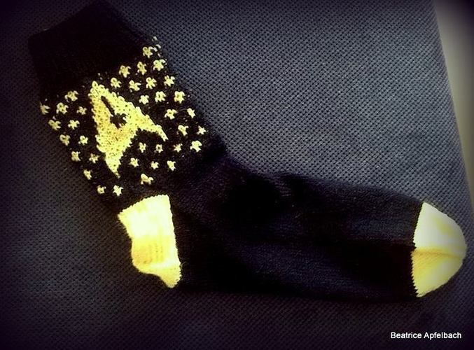 Makerist - Star Trek Socken - Strickprojekte - 1