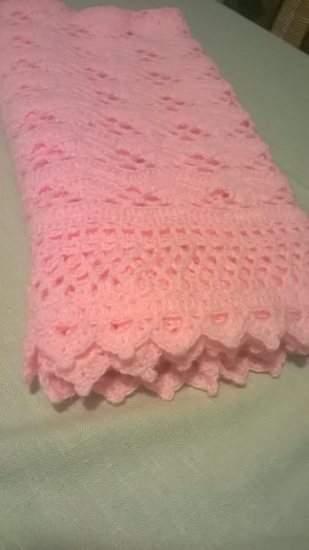 Makerist - couverture rose au crochet - 1