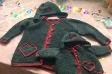 Makerist - Ella und Ihr Baby. Aus Merino Wolle gestrickt. Für meine kleine Enkeltochter und ihrer Puppe - 1