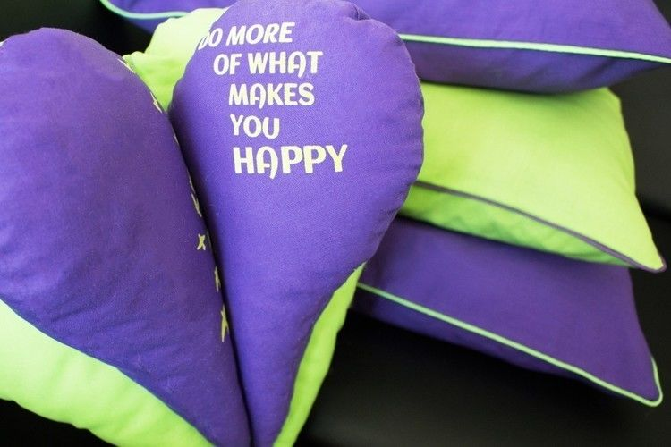 Makerist - Frühlingshafte Kissenhüllen mit Kontrast-Paspel - Nähprojekte - 1