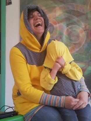 Makerist - Gelb Gelber Am-aller-Gelbsten (Kuschelhoodie Kids und Kapuziert) - 1