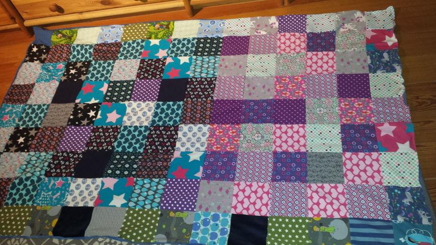 Decke stricken patchwork landlust patchwork decke for Decken streichen leicht gemacht